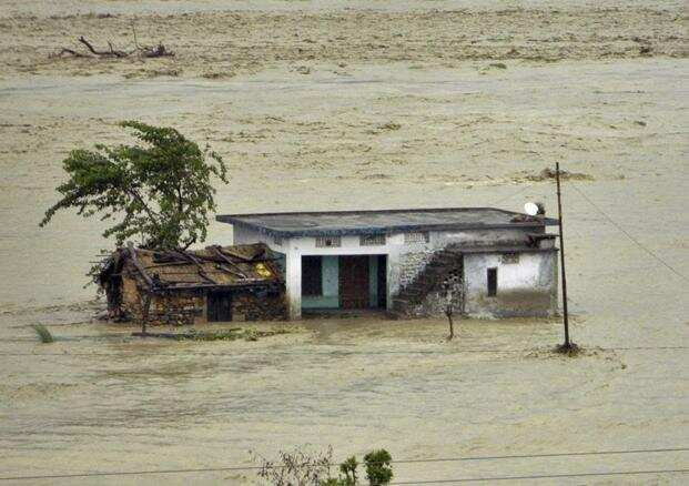 After the June 2013 floods in Uttarakhand that killed nearly 6,000 people, the apex court took suo motu cognizance of the matter and ordered the formation of a committee, which in an April 2014 report recommended that at least 23 hydropower projects be scrapped to save the ecologically fragile region. Photo: AP
